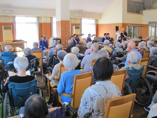 神戸市西区の有料老人ホームイベント琴の演奏会