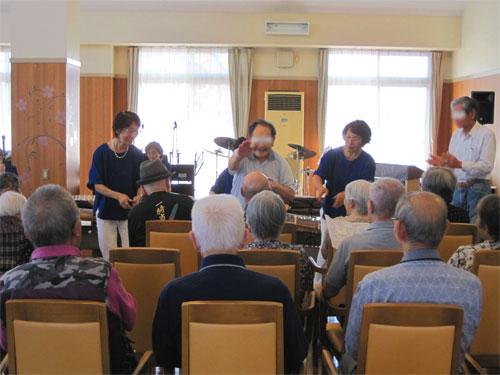 神戸市西区のデイサービスイベント琴の演奏会