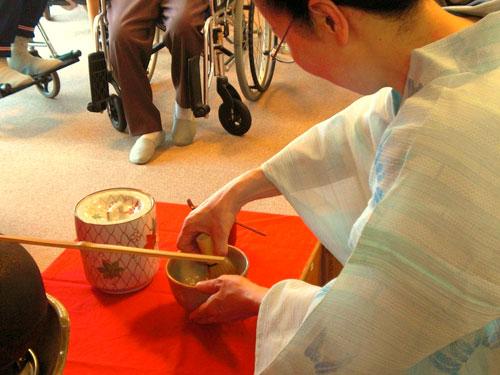 神戸市の老人ホームでお茶会